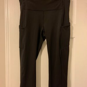 Lululemon Cropped Capri Pants
